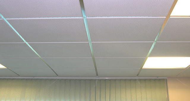 Techo de placa de yeso laminado aislamientos javier for Como poner chirok en el techo